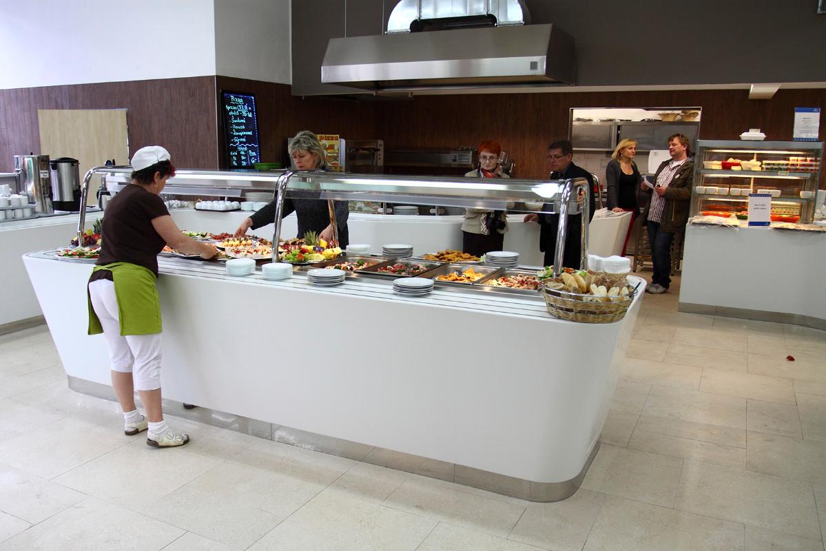 samoobsluzny-salatova-bar.JPG