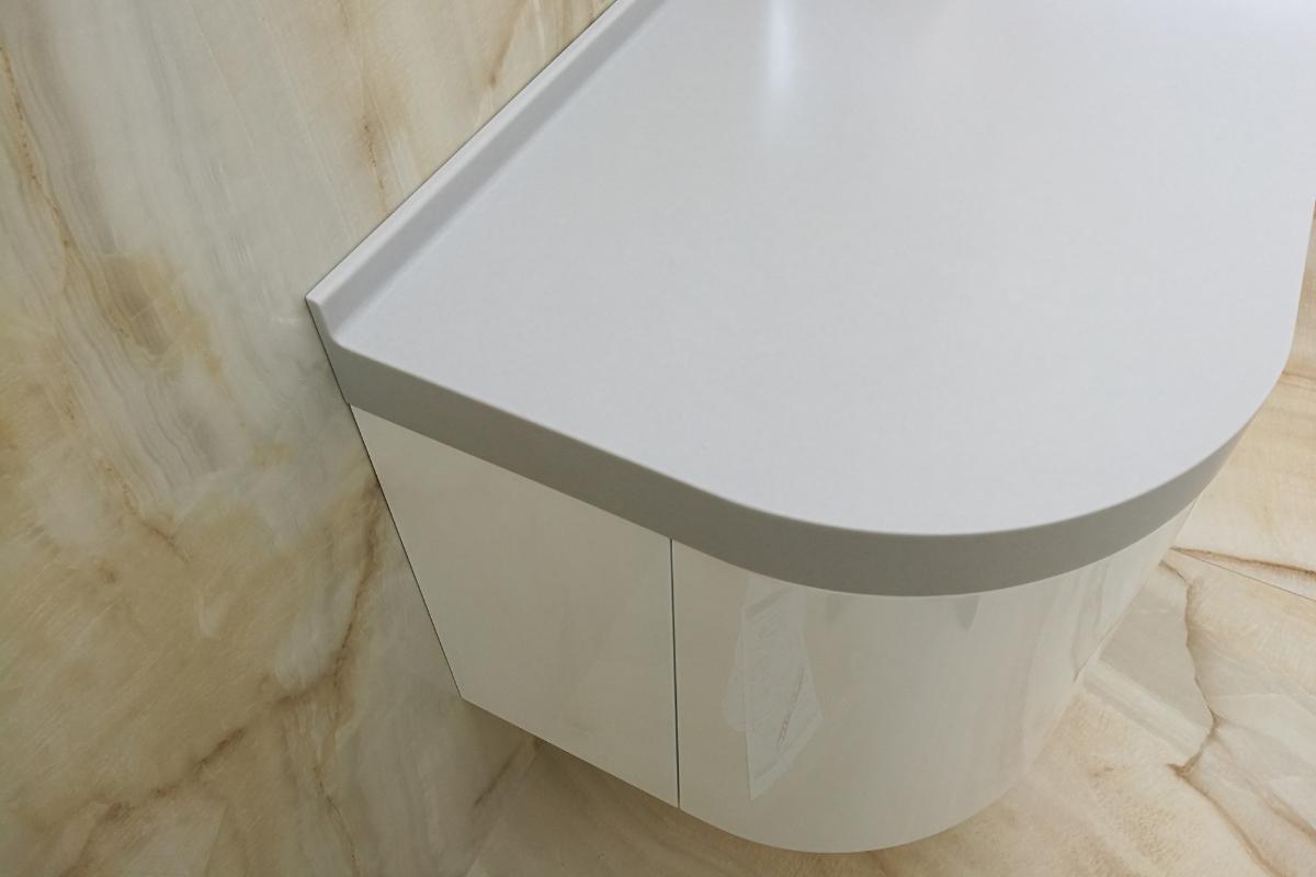 kupelnova-skrinka-doska-polyston-solid-surface.jpg
